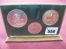 Bahama Islands 1972 Three Coin Set, presented within a perspex stand, denominations Five Dollars,