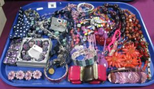 A Mixed Lot of Assorted Ornate Costume Bead Necklaces, bracelets, etc:- One Tray