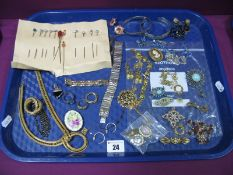 A Mixed Lot of Assorted Costume Jewellery, including brooches, matching pendant, earrings and