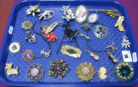 Assorted Costume Brooches, including Catherine Popesco Paris, Attwood & Sawyer, St. Justin pewter,