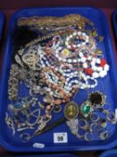 A Small Selection of Assorted Costume Jewellery, including gilt coloured chains, dress rings, bead