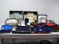 Assorted Antique, Vintage and Later Cases, ring boxes, etc (all empty).
