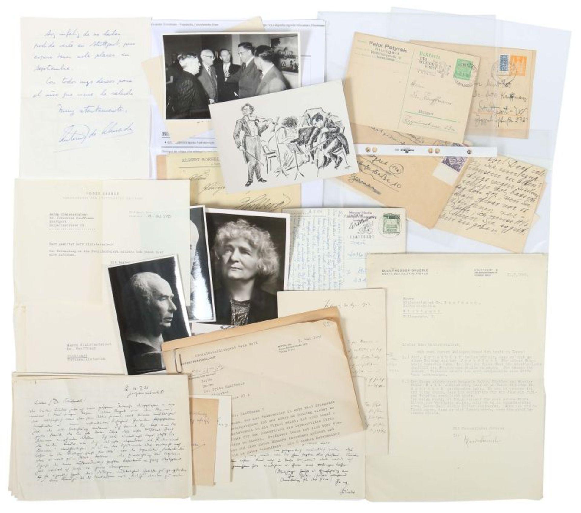 Künstlerkorrespondenzen Hand-/maschinengeschriebene Karten und Briefe u.a. von Felix Petyrek,