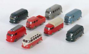 8 VW-Busse Wiking, M: 1:87, 1 x 321 VW T1 Kasen, mattblaugrau; 1 x 325 VW T1 Sambabus, papyrusweiß/