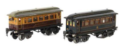 2 Personenwagen Märklin, Spur 0, Speisewagen 1746, blau CL, BZ1930-38, L: 21,5 cm; 1 x