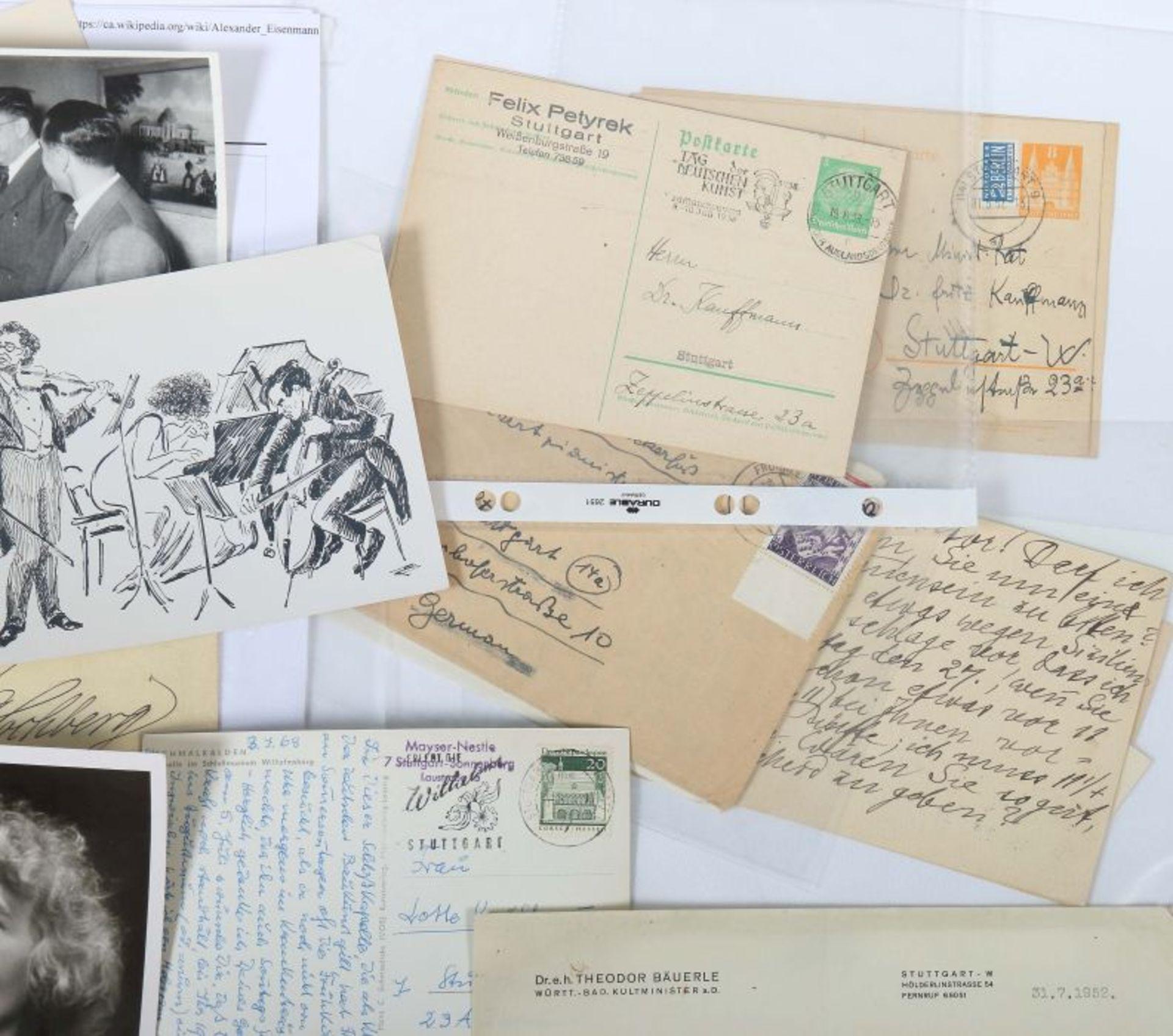 Künstlerkorrespondenzen Hand-/maschinengeschriebene Karten und Briefe u.a. von Felix Petyrek, - Bild 3 aus 5