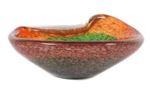 Ascheschale 20. Jh., farbloses Glas, part. in Orange und Grün überfangen sowie mit schimmernden