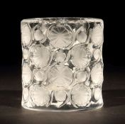 Kerzenhalter oder Vase Wingen-sur-Moder, Cristalleries Lalique & Cie, 20. Jh., formgepresstes,