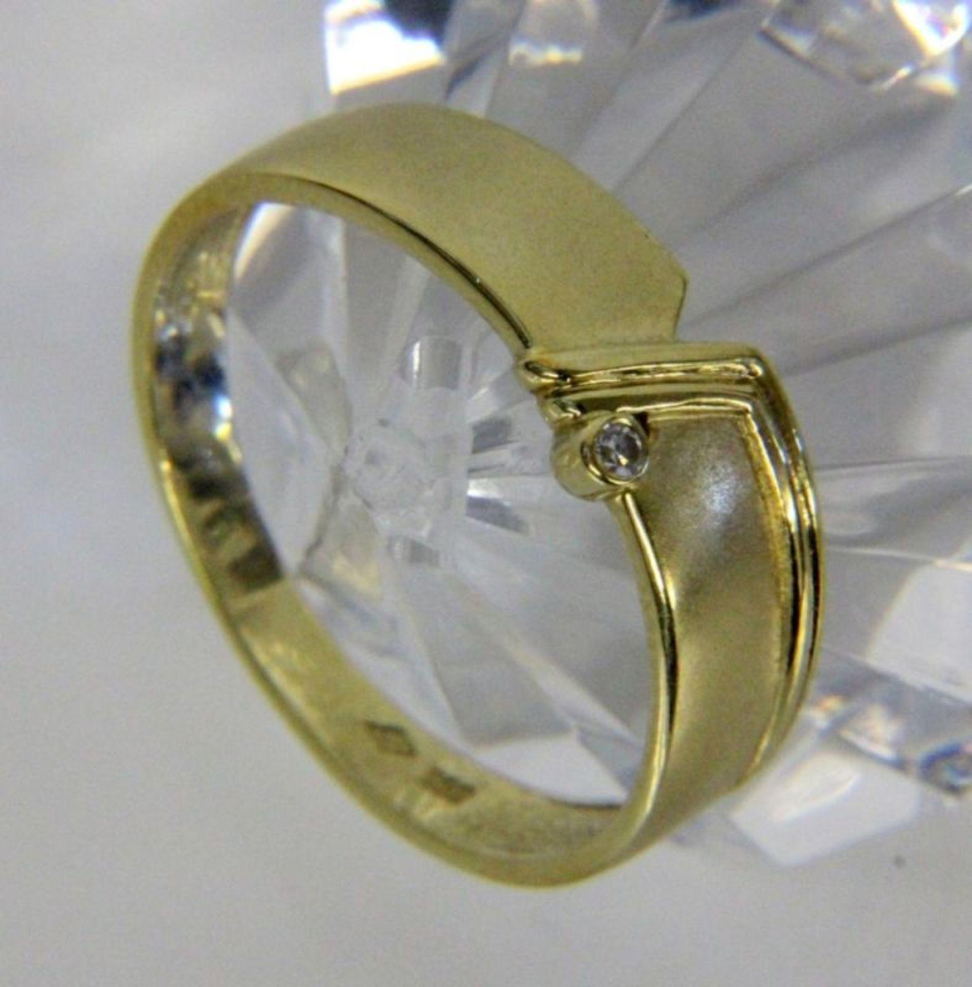 DAMENRING585/000 Gelbgold mit kleinem Brillant. Ringgr. 56, Brutto ca. 4,1gA LADIES RING 585/000