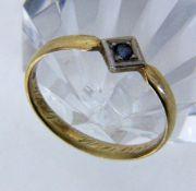 DAMENRING585/000 Gelb- und Weissgold mit Saphir. Ringgr. 57, Brutto ca. 2,2gA LADIES RING 585/000
