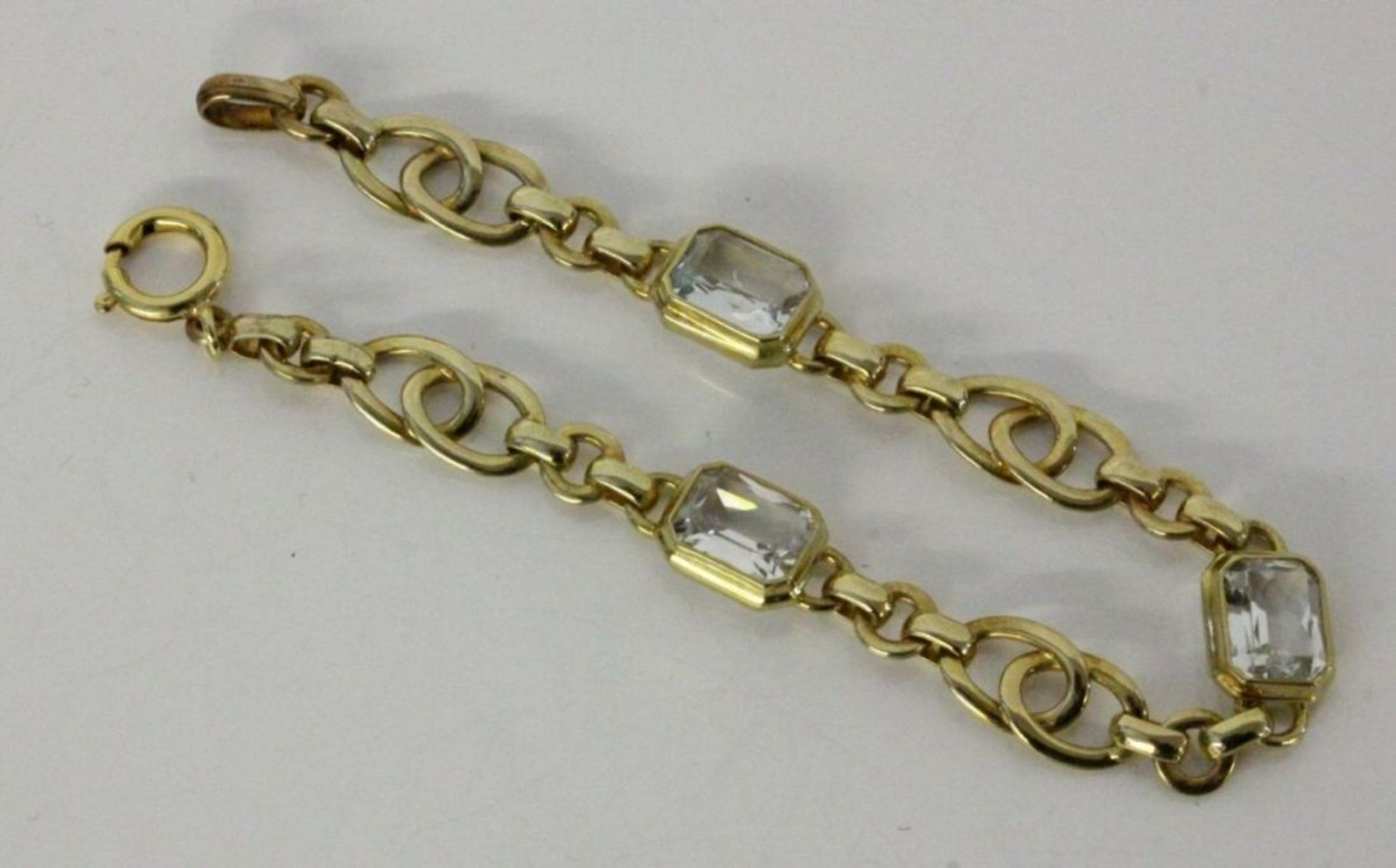 ARMBANDSilber vergoldet mit Aquamarinen. L.18cmA BRACELET Silver, gold-plated with aquamarines. 18