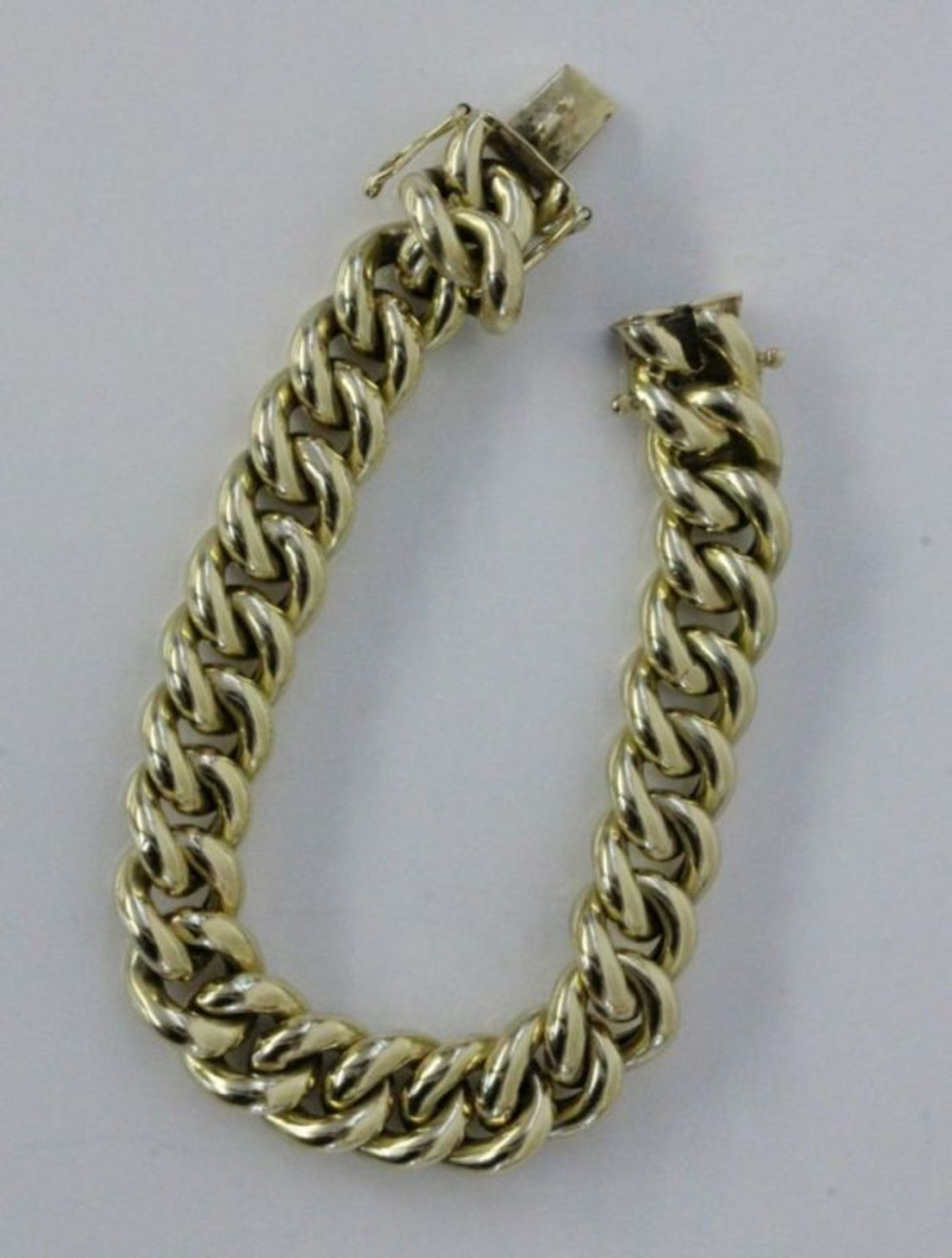 ARMBAND585/000 Gelbgold. L.19,5cm, ca. 31gA BRACELET 585/000 yellow gold. 19.5 cm long, approx. 31