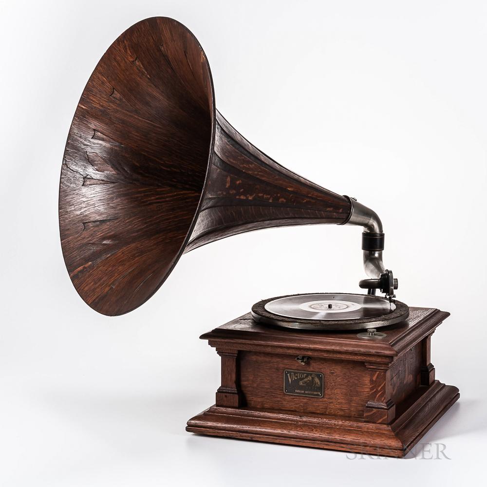 """Lot 1370 - Victor Model """"V"""" Victrola Talking Machine"""