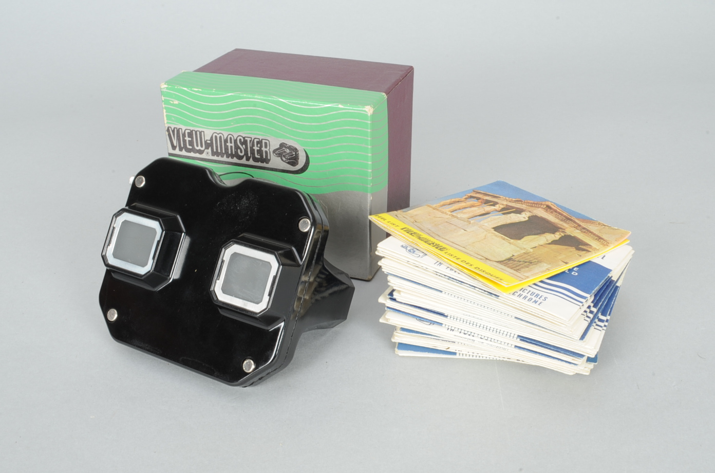 Lot 264 - A Sawyer's View-Master and Stereo Picture Reels, a boxed stereoscope and more than 30 picture