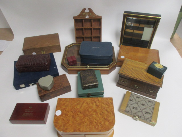 Lot 341 - A small quantity of jewellery boxes, and display cases, (15+)