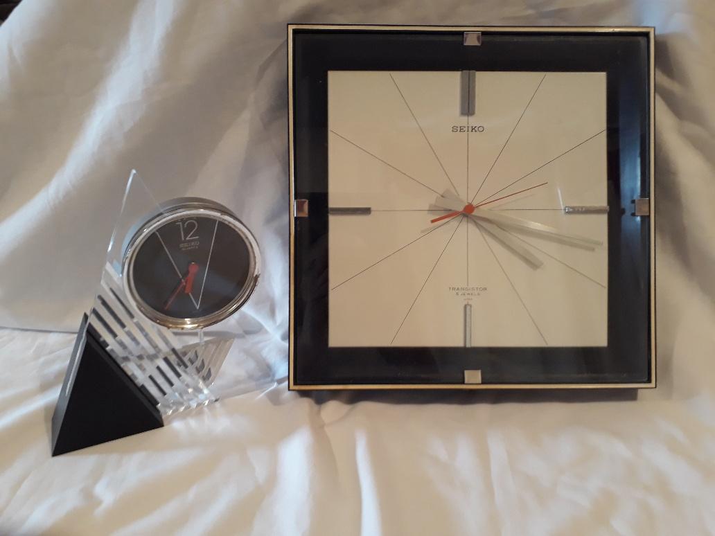 Lot 179 - 1970s Seiko Transistor Wall Clock and 1980s Seiko Desk Clock, a TTX-663 wall clock with 5 jewel