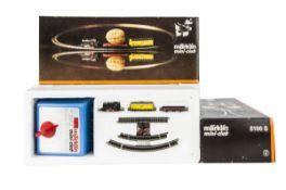 MärklinZ Gauge Mini Club Starter Sets, two boxed 8166 S starter sets including BR 69 006 tank