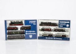 Fleischmann N Gauge Prussian Train Sets, two cased sets 7899 comprising P8 2510 steam locomotive and