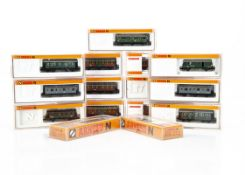 Arnold N Gauge Continental Small Coaches, a cased group comprising 4492, 3354K, 3356K, 3042 (2),