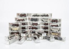Continental N Gauge Goods Wagons, a cased collection all by Fleischmann comprising 8831K (2),