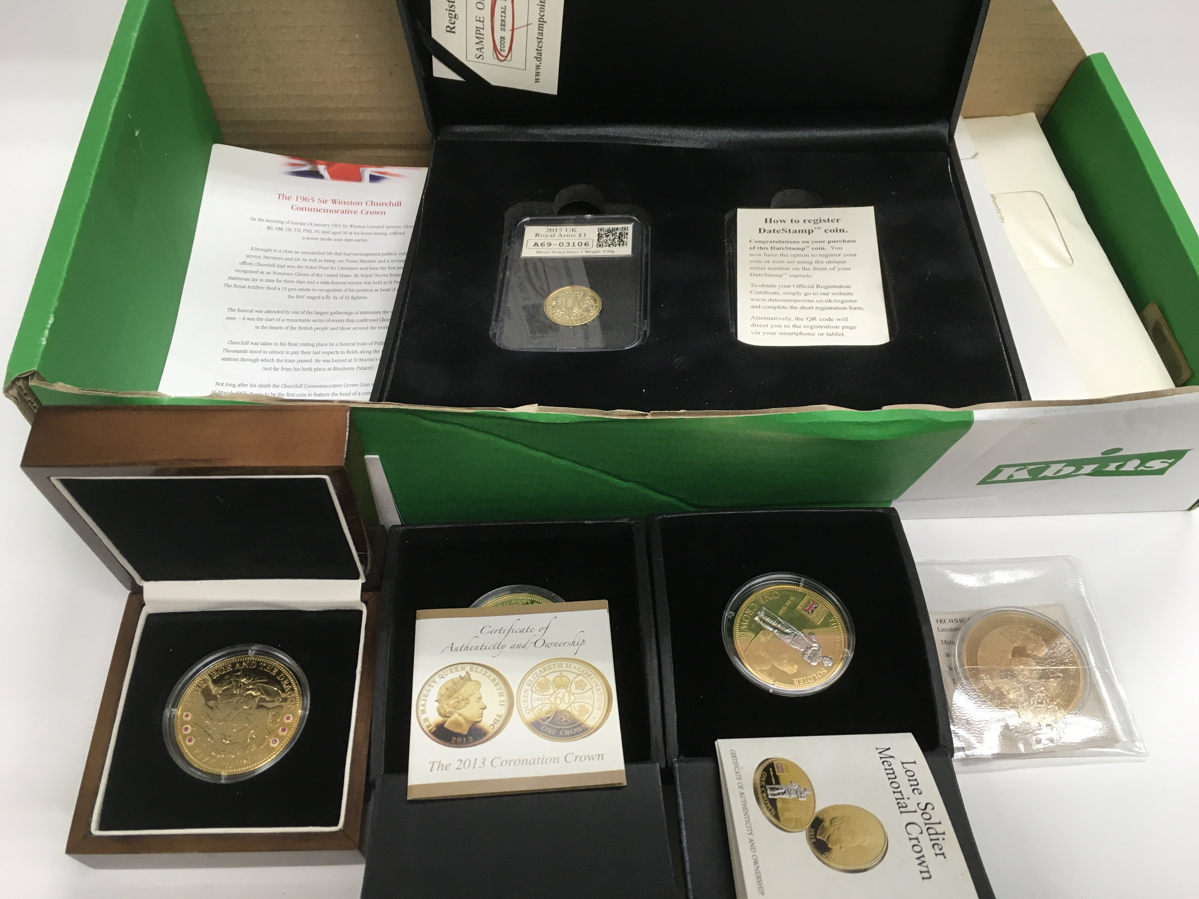 Lot 45 - A collection of boxed commemorative coins, some pr