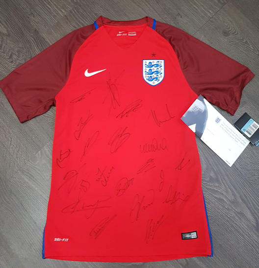 Lot 8 - Signed England Away shirt - full squad signed away shirt, with certificate of authenticity to