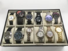 A tray of 12 various watches.