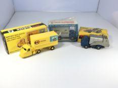 A Budgie diecast cabin service lift truck #303 box