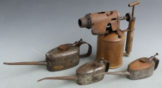 Two Kaye's oil cans, largest 1 pint, further unmarked can and a Sievert brass blow torch, height