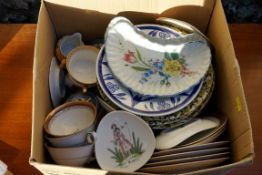 A carton of mixed ceramics, to include Wedgwood and Rosenthal examples. This lot can only be