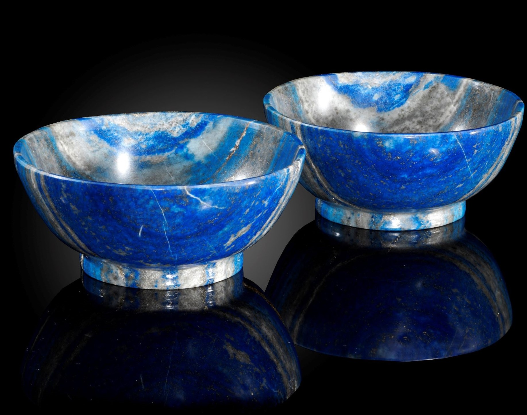 Lot 20 - Interior Design/Minerals: A pair of striated matching Lapis lazuli bowls, in presentation box,