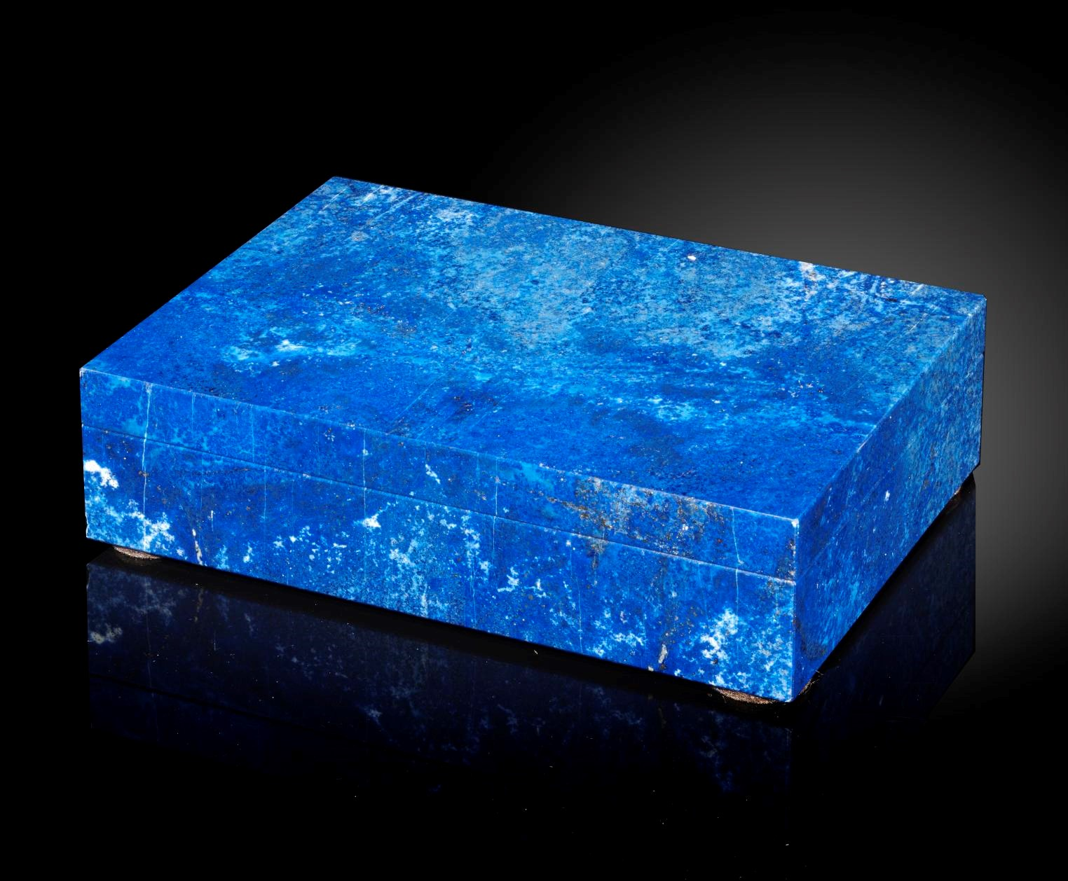 Lot 27 - Interior Design/Minerals: A Madani quality Lapis lazuli veneered box, in fitted case, 16cm by 11cm