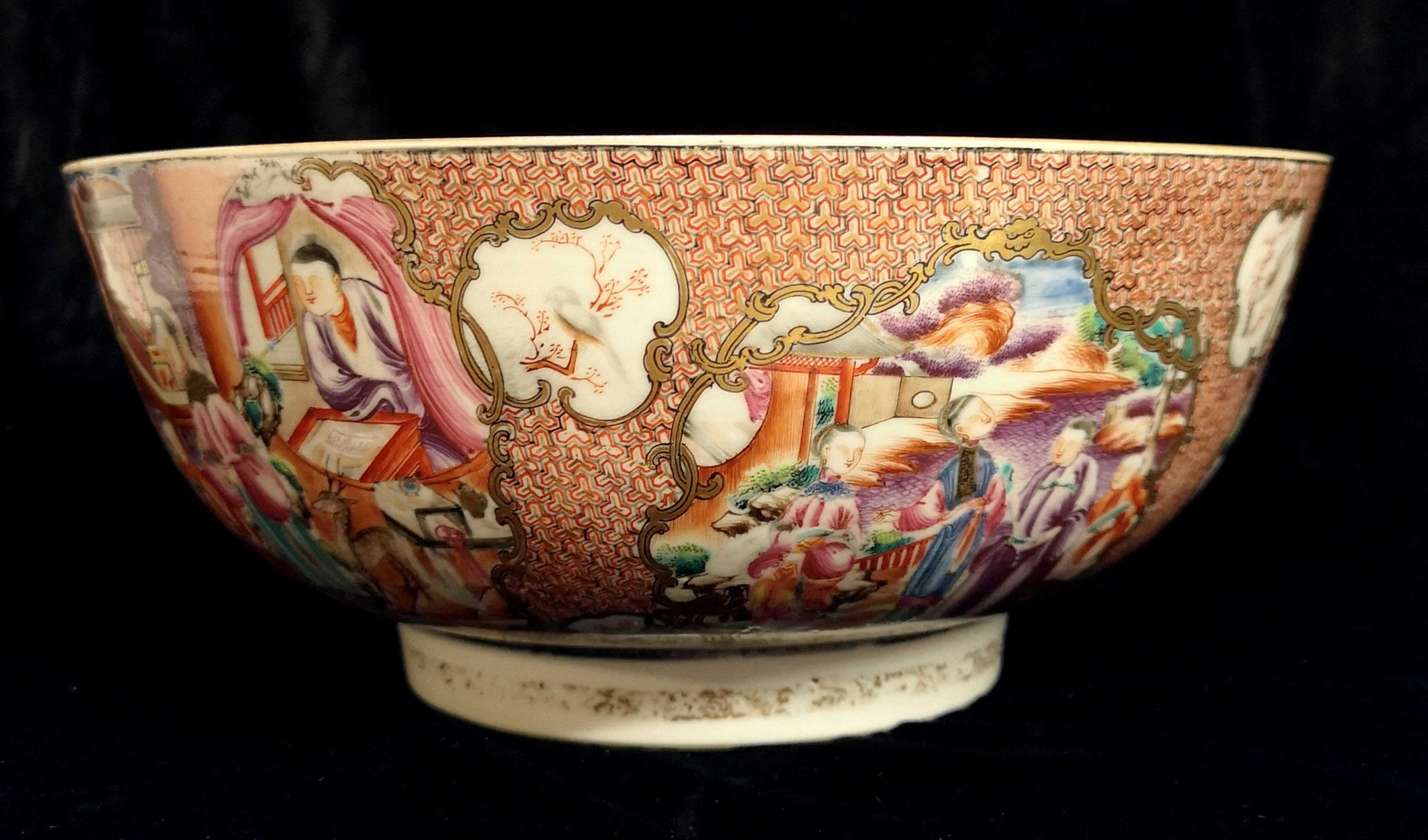Lot 152 - A CHINESE EXPORT PORCELAIN ROSE PUNCH BOWL Hand painted with an exotic garden scene in gilt