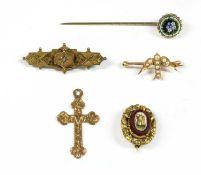 A gold split pearl swallow brooch,