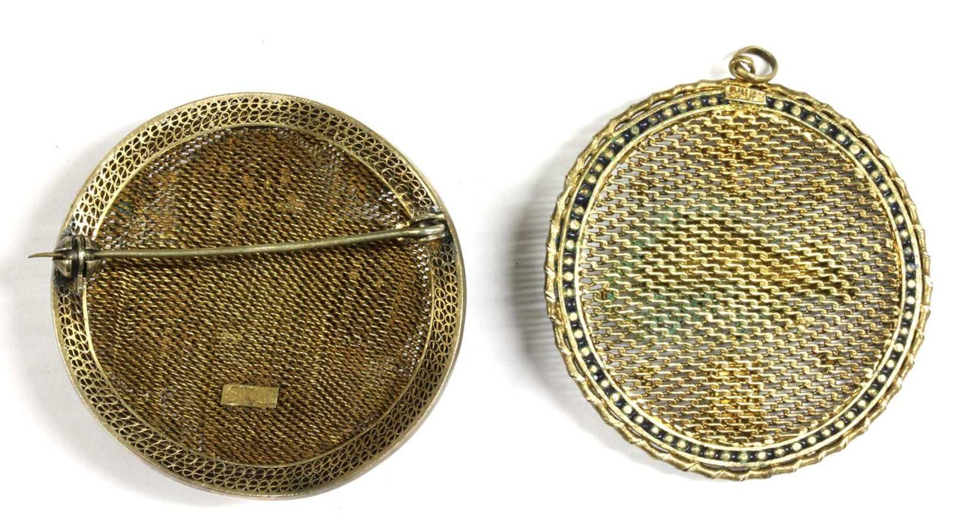 A Chinese silver gilt enamel 'Year of the Rat' zodiac pendant, - Bild 2 aus 2