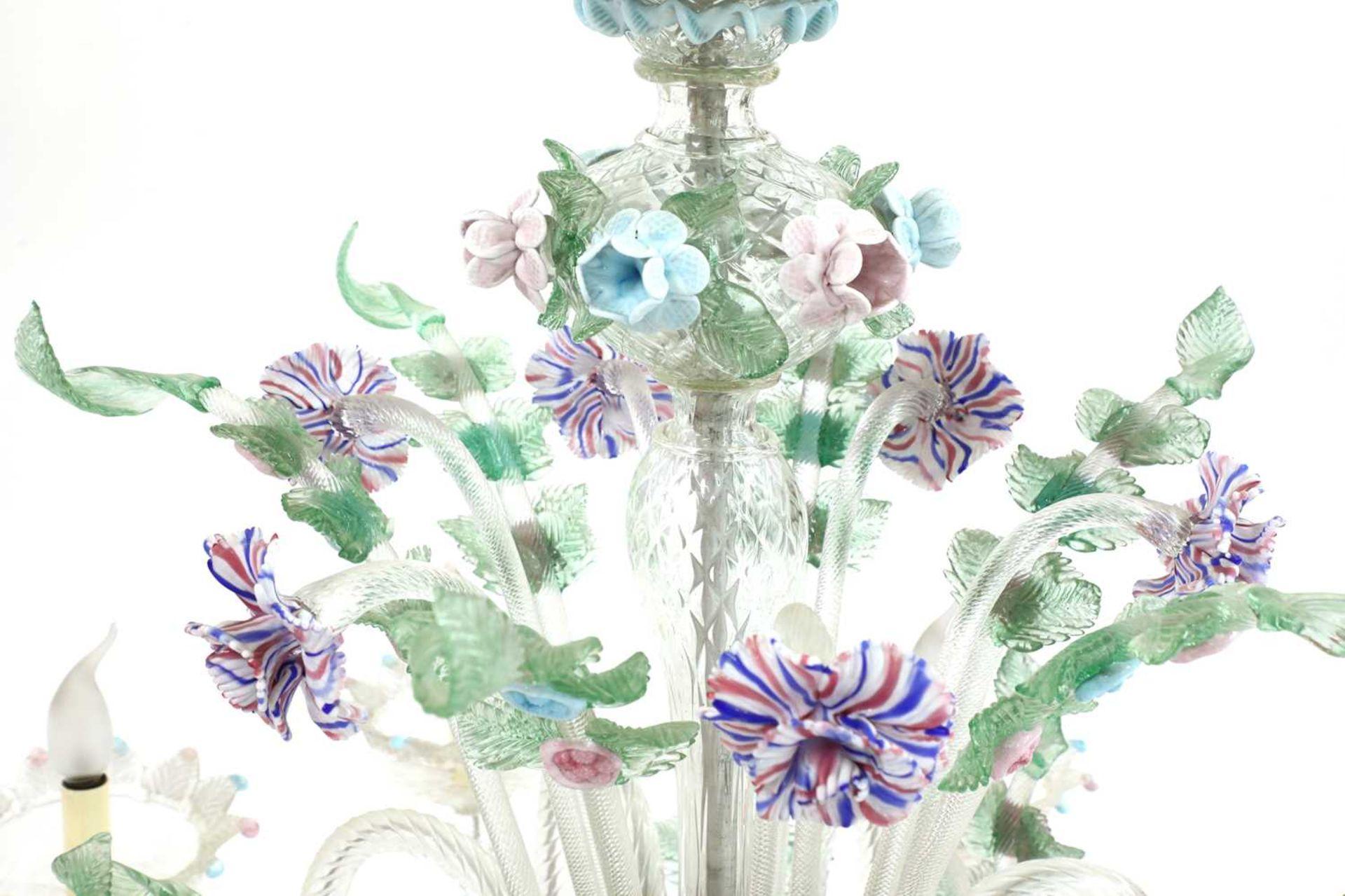 An impressive Murano chandelier, - Image 5 of 5
