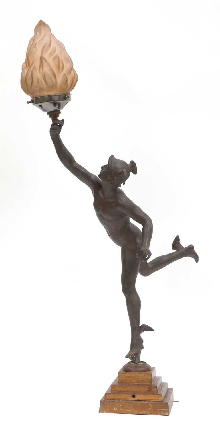 A bronzed spelter table lamp,