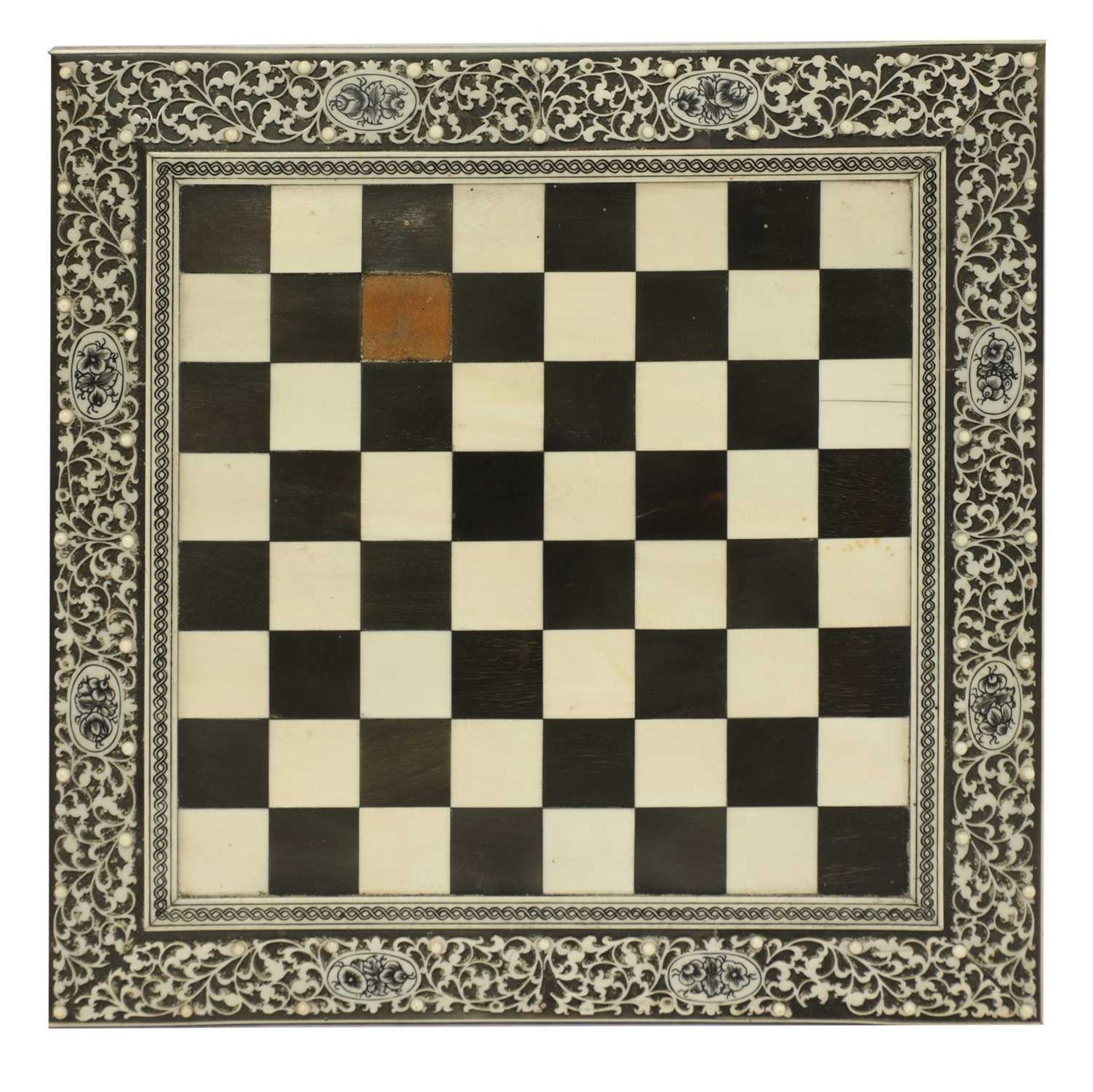 An Anglo-Indian ivory, horn and sandalwood miniature games table, - Image 3 of 4