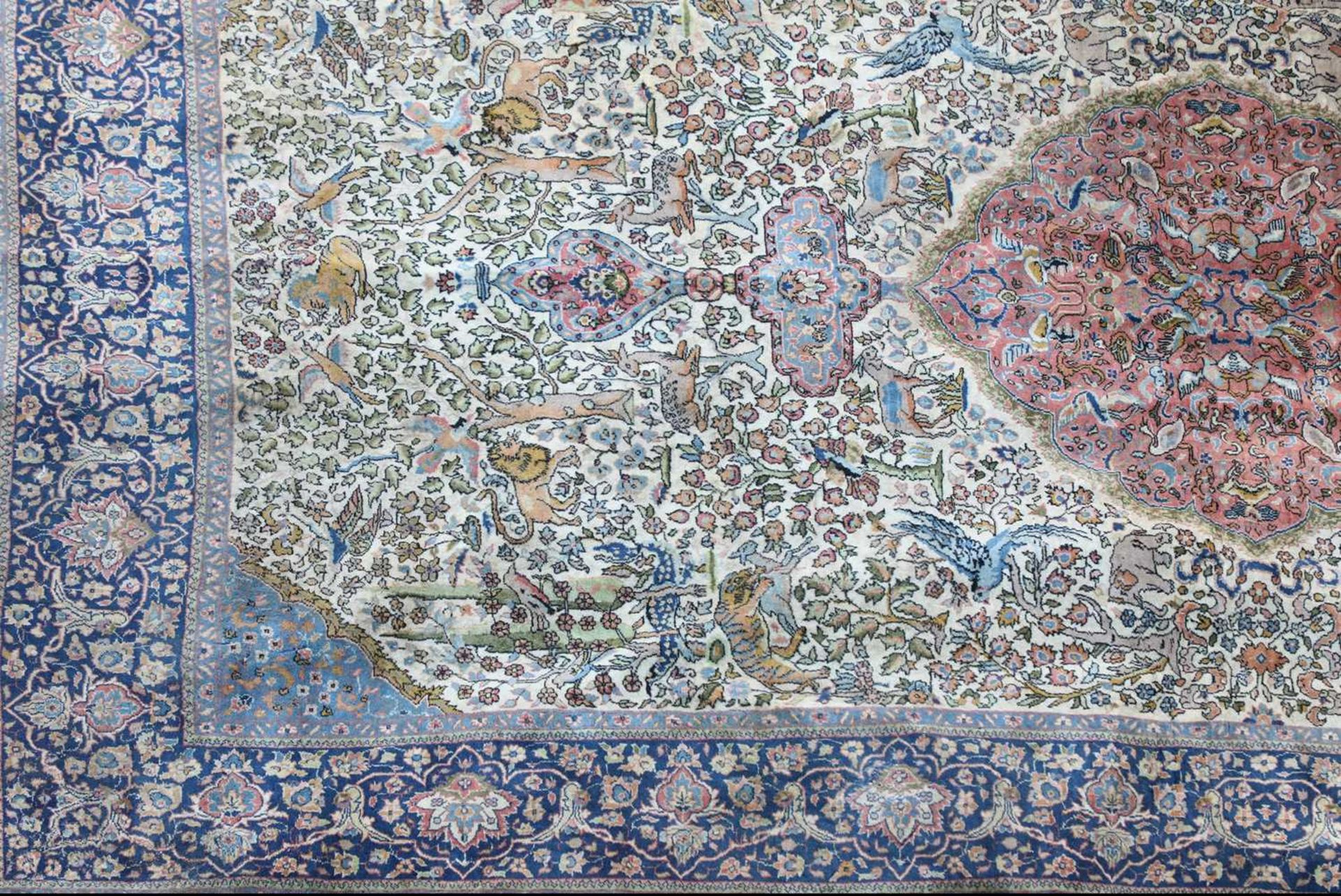 A hand-knotted Isfahan hunting rug, - Image 3 of 4