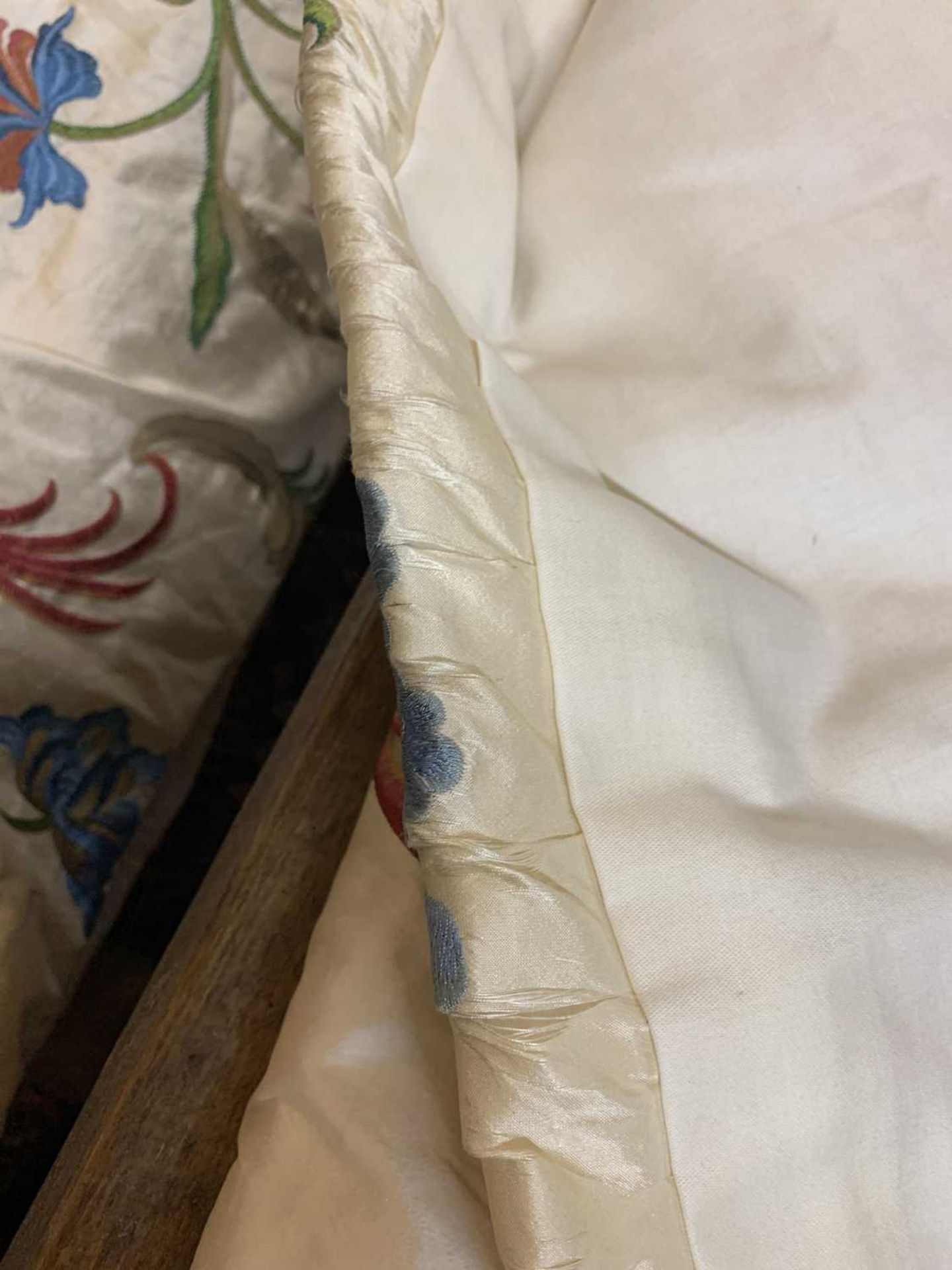 Three pairs of lined and interlined silk curtains, - Image 23 of 62