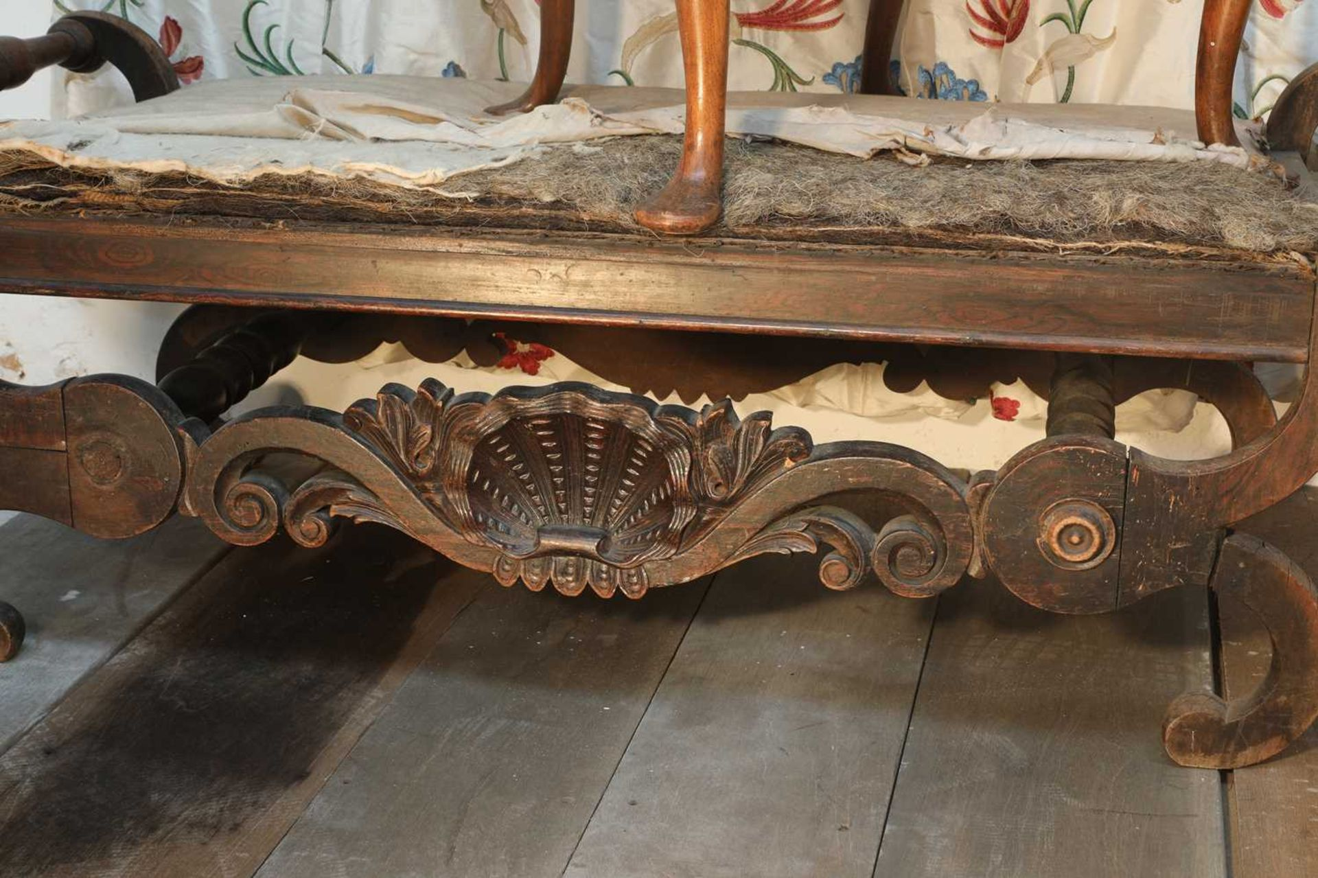 A Continental simulated rosewood window seat, - Image 10 of 10