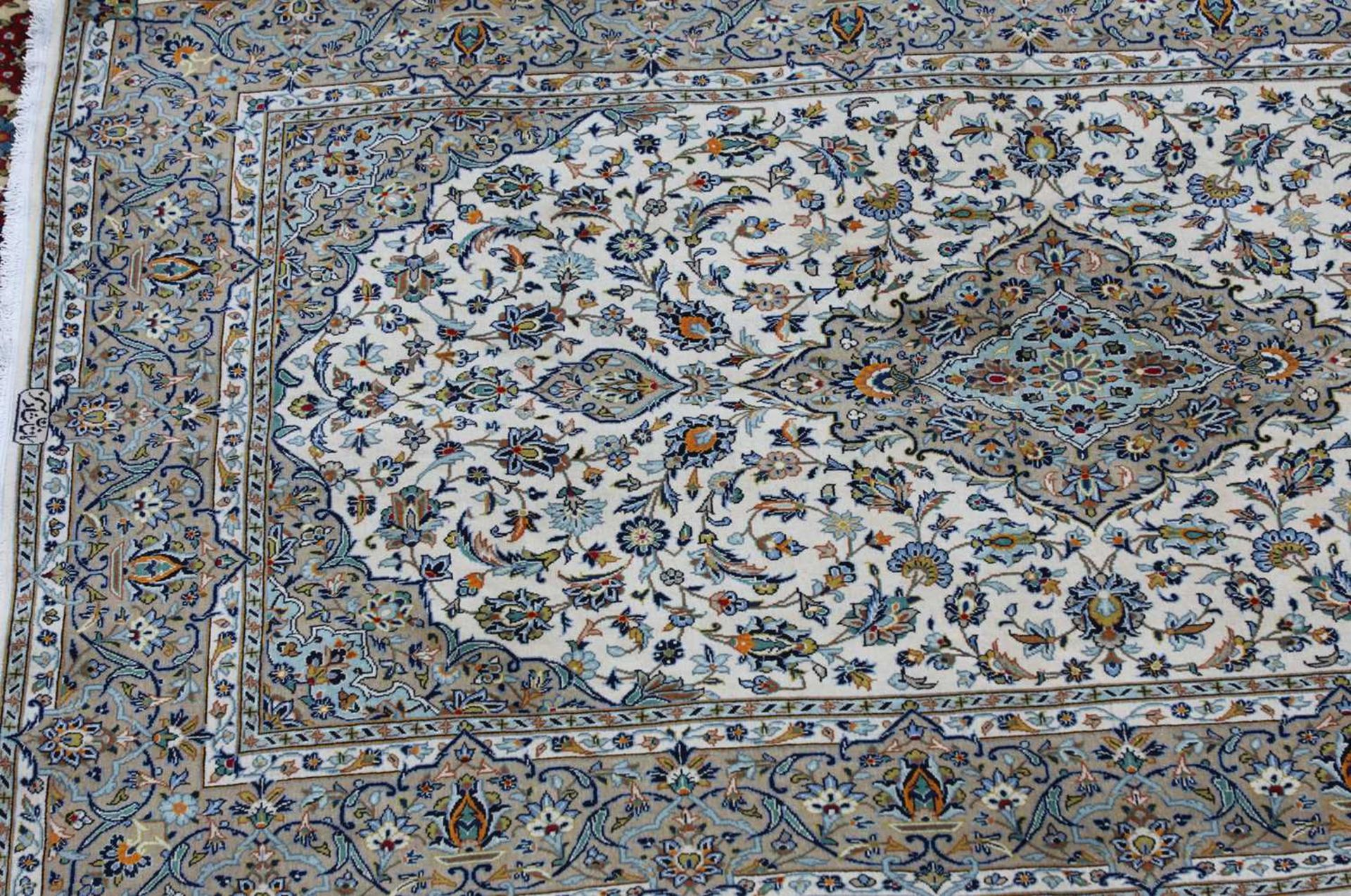 A Persian Kashan rug, - Image 3 of 7