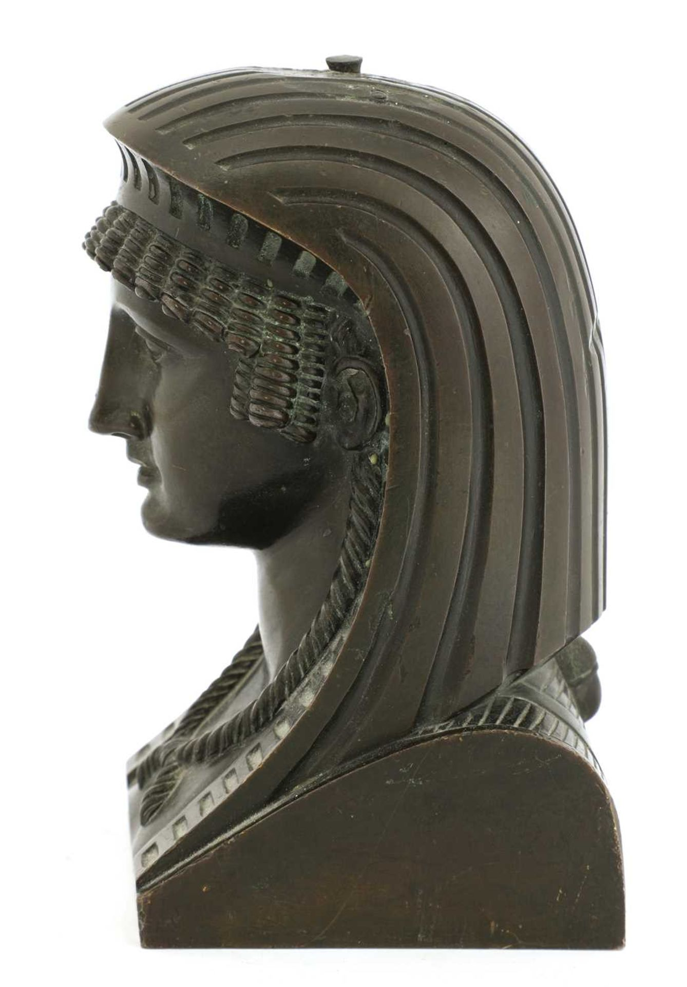 An Egyptian bronze head, - Image 3 of 4
