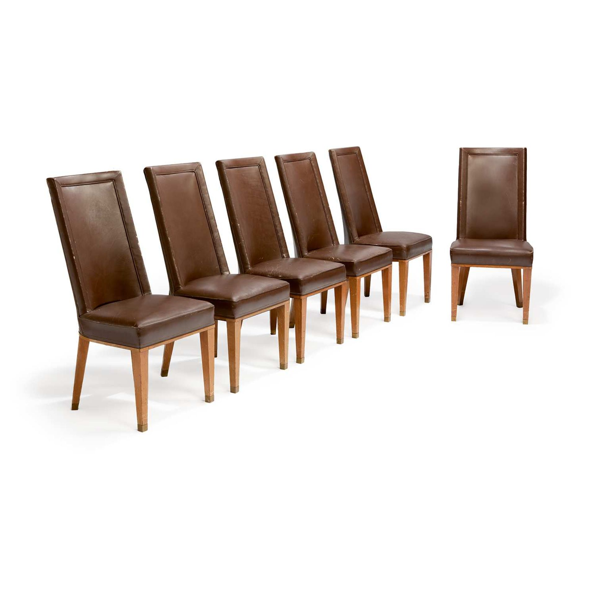 Los 59 - JACQUES ADNET (1901-1984) Suite de douze chaises néoclassiques, circa 1955, à structure en hêtre,