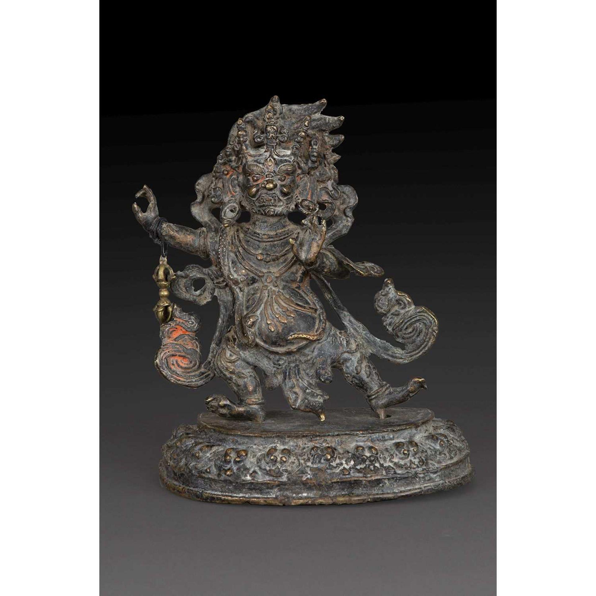 STATUETTE DE VAJRAPANI en bronze partiellement polychromé, représenté debout en pratyalidhasana,