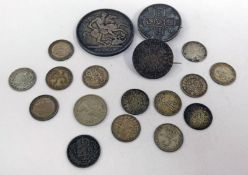 SELECTION OF UK COINAGE TO INCLUDE 1889 CROWN, 1892 MAUNDY FOUR PENCE, 1887 FLORIN WITH PIN BROOCH,