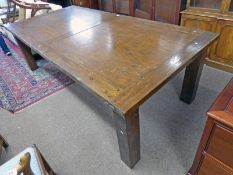 LARGE 21ST CENTURY OAK KITCHEN TABLE 250 CM LONG Condition Report: The legs on this
