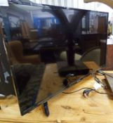 HIRSENSE 39 INCH LCD TELEVISION Condition Report: Remote present.