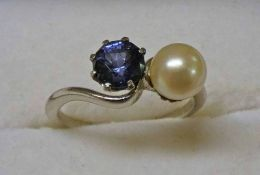 18CT WHITE GOLD CULTURED PEARL & SAPPHIRE SET 2 - STONE TWIST RING