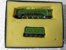 MEGA MODELS NO. 060 00 GAUGE LNER P2 2-8-2 'CLOCK O' THE NORTH' 2001 LOCOMOTIVE & TENDER.